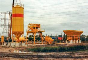 1986 La première centrale à béton dans la Ekkersrijt à Son