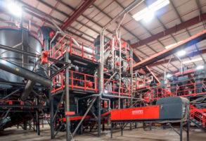 2015 Installation d'un nouveau broyeur sur le site de recyclage de Moerdijk