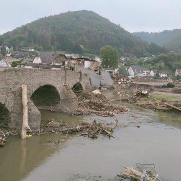 A Jansen helpt bij overstromingen Duitsland